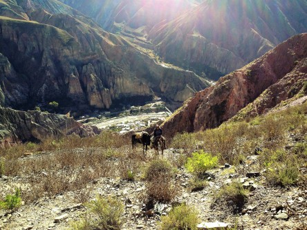 auf dem Weg zum Acker auf der andern Seite des Berges